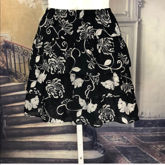 Old Navy Dresses & Skirts - Old Navy Black Butterfly Tiered Ruffled Skirt
